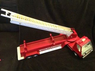 Aerial Hook and Ladder Fire Truck   Antique metal RARE vintage toy