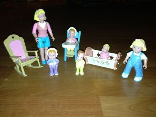 Fisher Price Loving Family Dollhouse Mom Babies Baby Sister Highchair