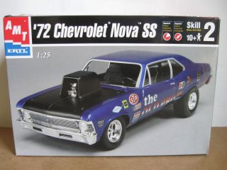 AMT ERTL 72 Chevrolet Nova SS 125 scale car model kit