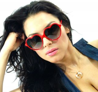 Style Red Hearts Shaped Frame Super Sexy Women Sunglasses Sun Glasses