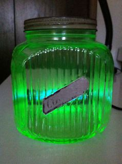 DEPRESSION HOCKING HOOSIER VASELINE URANIUM Green Glass COOKIE JAR