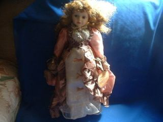 16 Pocelain Doll   Emerald Doll Collection   Emmy   2001 Edition