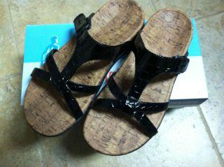 NEW Orthaheel SEASIDE Womens Size 7 Black Croc Sandal Flip Flop Shoes