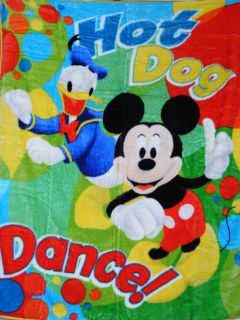 MICKEY MOUSE AND FRIENDS HOT DOG DANCE 60 x 80 HUGE THROW SOFT SUPER