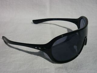 OAKLEY Immerse Womens Sunglasses Polished White/G40 Black Gradient NEW