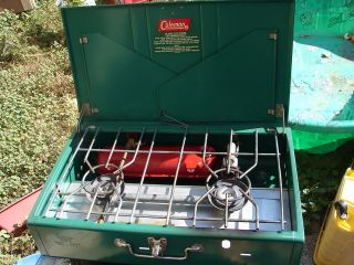 Vintage Coleman 413G 2 Burner Camp Stove Used Twice! Excellent