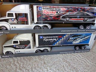 toy semi trucks in Cars, Trucks & Vans