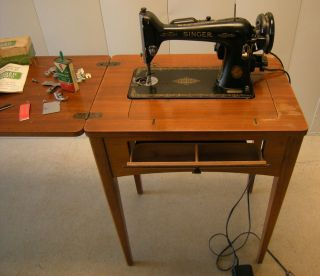 Singer Sewing Machine, Model 66   Cabinet, Works, Parts, Button Hole