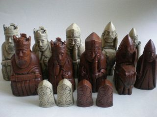 Isle of Lewis Fantasy Model Resin Chess Set   Teak & Ivory effect