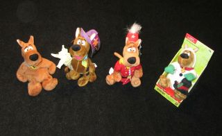 WARNER BROS STUDIO STORE SCOOBY DOO PLUSH DOLLS LOT COLLECTIBLES