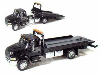 Durastar 4400 Flatbed Tow Truck JADA 124 Scale Black JA92351 BK