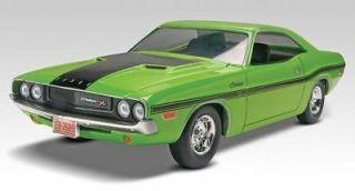 Revell 70 Dodge Challenger 1/25 Scale Plastic Model Car Kit 85 4213