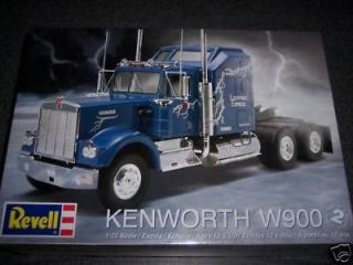 Revell 1507 1/25 Kenworth W900 truck model kit NEW