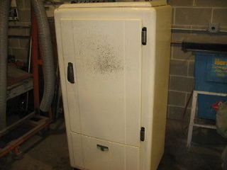 antique frigidaire fridge great condition