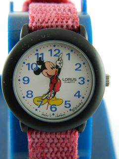 VINTAGE DISNEY MICKEY MOUSE WATCH /WHITE GLOVE /blue numeral