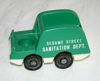 VINTAGE Fisher Price Little People SESAME STREET PLAYSET   GARBAGE