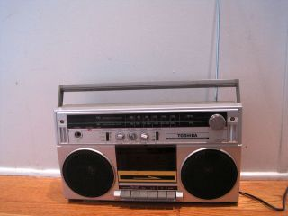 TOSHIBA AM FM STEREO RADIO CASSETTE TAPE RECORDER PLAYER RT 6015