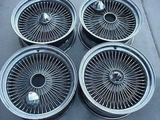 DAYTON style STARBURST WIRE WHEELS SET (4) WITH CENTER RETAINER 18X8