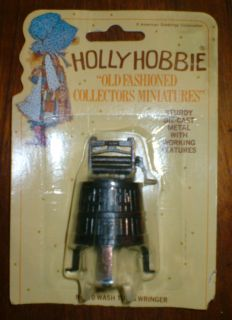 HOLLY HOBBIE ~ WASH TUB & WRINGER vintage RARE diecast metal miniature