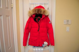 NEW   CANADA GOOSE SOLARIS BONFIRE RED COAT JACKET PARKA   100%