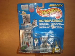 1995 MATTEL Hot Wheels AUTO CITY ACTION SQUAD MOC RESCUE STATION