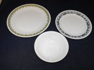 pc Lot of Corelle Dishes 2   Green Crazy Daisy & 1   Blue Old Town