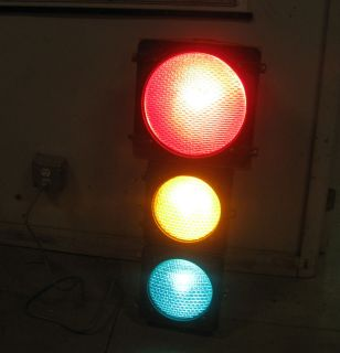 VINTAGE CROUSE HINDS WORKING SIGNAL TRAFFIC LIGHT for Bar, Man Cave