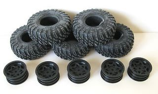 Axial SCX10 Dingo Rock Crawler Ripsaw tires and rims