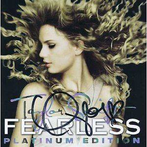 AUTOGRAPHED TAYLOR SWIFT Fearless Platinum Edition [CD & DVD]