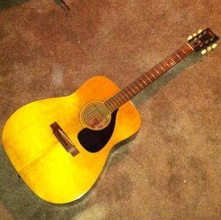 yamaha acoustic guitars in Guitar