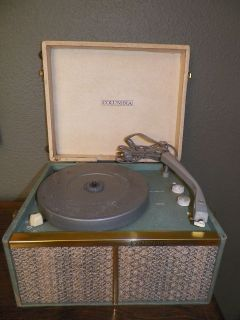 Vintage Columbia Portable Phonograph 4 Speeds Twin Speakers Needle