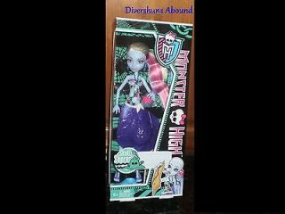 Newly listed Monster High Skull Shores ABBEY Bominable Doll Daughter