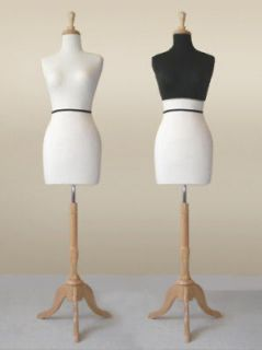 dress form wht ky822 w maple base mannequin blk cover