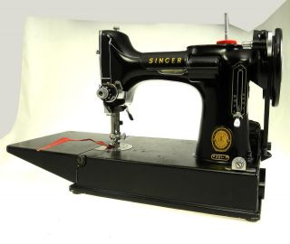 FEATHERWEIGHT Sewing Machine in case with foot pedal Cleaned Working