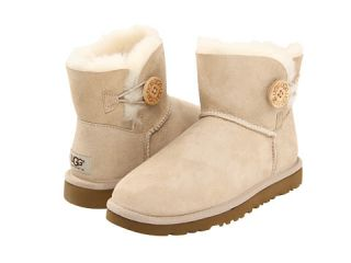 ugg mini bailey button $ 135 00