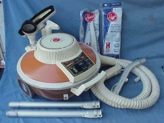 VINTAGE HOOVER CELEBRITY II VACUUM CLEANER & ACCESSORIES S3061 FLYING