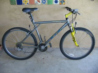 GT Aggressor 20 Mountain Bike Bicycle