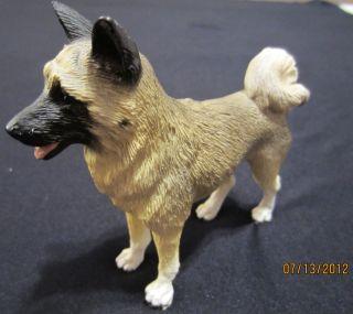Akita Hand Painted Collectible Dog Figurine C 1991