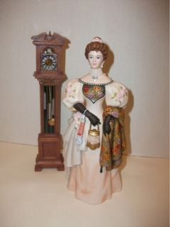 figurine this is the mrs albee award that is given to president club