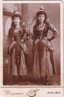Photo Halloween Witches Costumes Cats Mouse Aitkin Minnesota