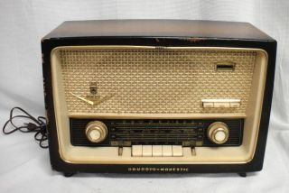 Vintage 1950s Grundig Majestic Model 1088 Tube Radio