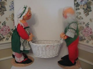 Anna Lee Christmas dolls Mr. and Mrs. Santa Claus holding white basket