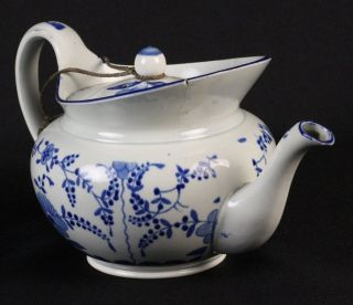 ANTIQUE STAFFORDSHIRE BLUE & WHITE PEARLWARE TEAPOT EARLY 19TH C.