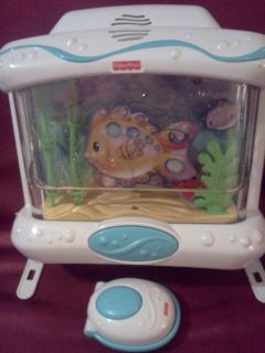 Fisher Price Ocean Wonders Aquarium Baby Crib Mobile WITH REMOTE