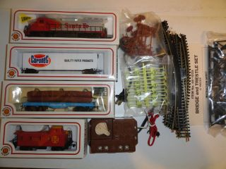HO Scale Toy Trains Vintage Bachmann Coronet Train Set in Box Santa FE
