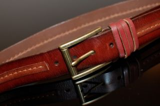 Tommy Bahama Mens Leather Belt Chestnut Brass Roller Buckle Stitched