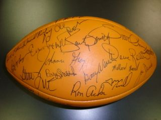 MINT* 1975 Green Bay Packers Team Signed Football w/Bart Starr