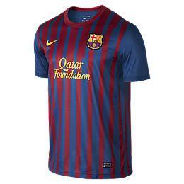 Nike Clothes for Men. Jackets, Shorts, Shirts