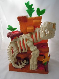 2008 Fisher Price Dinosaur Play Set Toy Skeleton Moveable Parts