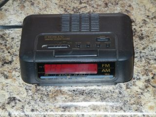 CROSLEY DIGITAL AM FM ALARM CLOCK RADIO ELECTRIC BATTERY BACK UP